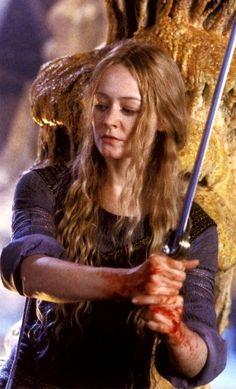 Eowyn - Lord of the Rings -The Two Towers - Miranda Otto - cut scene - Helms Deep