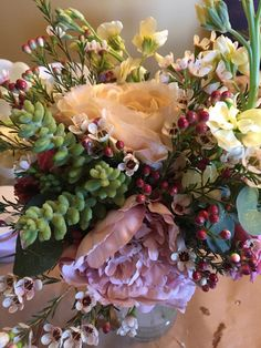 Succulent autumn bouquet by Graceful Wedding company
