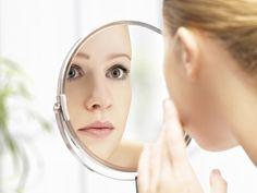 Tschüss Doppelkinn und Pausbäckchen! Hier findet ihr Tipps und Übungen zum erfolgreichen Abnehmen im Gesicht und schlankes Aussehen.