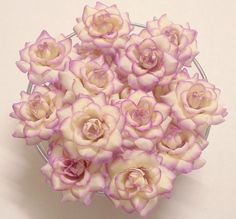 This is fabric flowers ( see photo) is the perfect decoration for the holidays and can be used or combined with other items as a decoration for wall displays, Decorative Hair, the hat, weddings, pictu