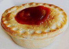Australian Meat Pie, Aussie Food, Mince And Cheese Pie, Mincemeat Pie, Paleo, Pepper Steak, Sugar, World Recipes, Popular Recipes