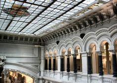 Rincón interior del renovado Palacio de Cibeles en la plaza de Cibeles de Madrid