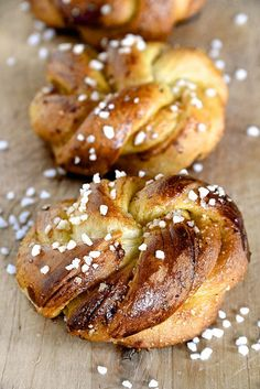 B comme Bon Croissants, Dessert Breton, Brunch Recipes, Sweet Recipes, French Patisserie, Flaky Pastry, Pastry And Bakery, Perfect Breakfast, Easy Meals