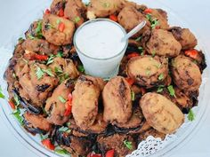 Fried Eggplants from the Farm with Yogourt and anise deep Eggplants, Chicken Wings, Catering, Fries, Events, Deep, Food, Catering Business, Gastronomia