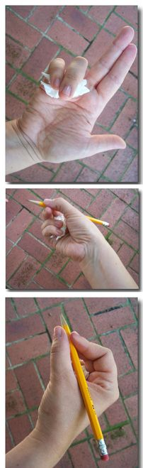 Teach your kid how to hold a pencil properly with a wad of kleenex. // 36 Parenting Hacks pencil grip for Makenna. Handwriting for kids teaching. Kids Education, Special Education, Teaching Tools, Teaching Kids, Fun Learning, Preschool Activities, Preschool Writing, Crayon, Fine Motor Skills