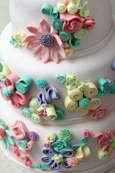 Amazing flower wedding cake #wedding #cake