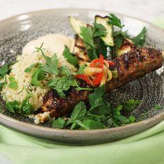 """Köket.se on Instagram: """"Grillat när det är som godast 🌟 Idag bjuder @danyelcouet på lammfärsspett med smak av harissa, persilja, koriander och mynta 🌱 Receptet…"""" Couscous, Japchae, Scones, Bbq, Gluten Free, Chicken, Meat, Cooking, Ethnic Recipes"""