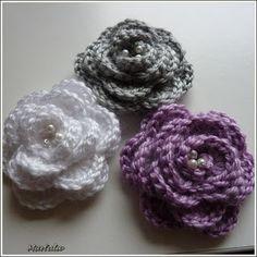 Vše o co se zajímám: ♥♥Háčkované růžičky♥♥ Crochet Baby Hats, Free Crochet, Knit Crochet, Yarn Crafts, Crochet Flowers, Crochet Earrings, Crochet Patterns, Knitting, Blog