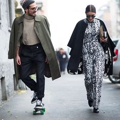 Giotto Calendoli & Patricia Manfield in Milano. Milan Fashion Week Street Style, Street Style Blog, Mens Fashion Week, Street Style Looks, Street Chic, Fashion 2017, Street Wear, Parka, Stylish Couple