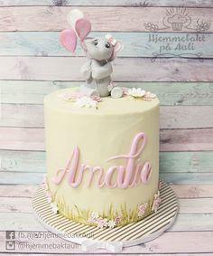 en søt kake til en fin jente som liker elefanter Sofia Cake, Cupcake, Birthday Cake, Mousse, Food, Cakes, Baby, Food Cakes, Cake Makers