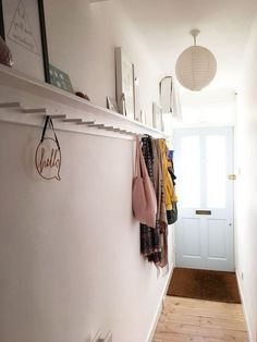 hallway decorating 303781937363809169 - Victorian hallway with peg rail picture shelf Source by homestylisthk Hallway Shelf, Upstairs Hallway, Victorian Terrace Hallway, Home Design, Hallway Pictures, Hallway Ideas, Hallway Decorations, Wedding Decorations, Narrow Hallway Decorating