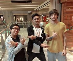 Louis with fans in Singapore