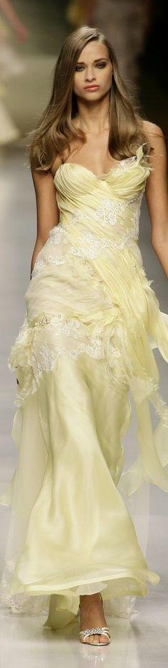Valentin Yudashkin at the Milan Fashion Week in spring 2008 - Wedding Beauty Runway Fashion, Fashion Show, Milan Fashion, Women's Fashion, Valentin Yudashkin, Jaune Orange, Nikkah Dress, High Fashion Dresses, Mellow Yellow