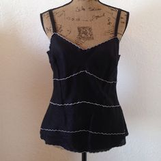 """BLACK & WHITE LINEN TANK TOP Black linen tank top with white wavy stitching. Zips up left side, form fitting, cute with shorts, pants, skirts & jackets. 100% linen, lining is 100% cotton. In excellent condition. Size 8 - 17"""" armpit to armpit, 23"""" shoulder to bottom hem.  Non smoking home, no trades. 020116 LOFT Tops Tank Tops"""