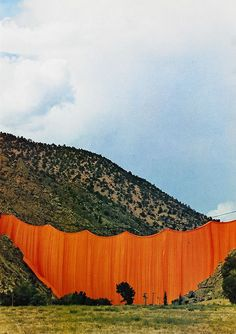 What the heck is the point to this? Valley Curtain, Rifle, Colorado, — Christo and Jeanne-Claude Land Art, Christo Y Jeanne Claude, Christo Artist, Instalation Art, Environmental Art, Public Art, Art And Architecture, Landscape Art, Art History