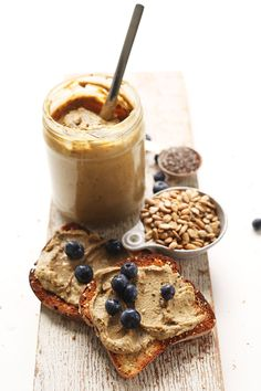 SUNFLOWER SEED BUTTER with chia, flax, pumpkin and hemp! 3 cups raw sunflower seeds (if roasted, skip the roasting step!) tsp sea salt (more/less to taste) 1 Tbsp chia seeds 1 Tbsp flax seed meal 1 Tbsp shelled hemp seeds 1 Tbsp roasted unsalted pum Sunflower Butter, Sunflower Seeds, Pumpkin Seed Butter, Hemp Seeds, Vegan Butter, Nut Butter, Sin Gluten, Gluten Free, Baker Recipes