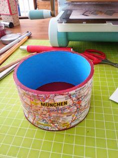 Schale aus Klebebandrolle und Straßenkarte / Bowl made from cardboard roll and map / Upcycling