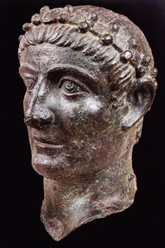 Portrait of Emperor Constantine, 325-330. National Museum, Beograd. Culture roman