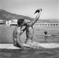 Muscle beach by Andre de Dienes