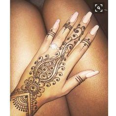 Henna is aks Mehendi and Tattoo Designs. Check out here latest trending henna designs 2015 for hands in Pakistan, India, Dubai, Saudi Arabia. Henna Tattoo Designs, Henna Tattoos, Mehndi Designs, Henna Ink, Body Art Tattoos, Wife Tattoos, Sleeve Tattoos, Indian Tattoos, Paisley Tattoos