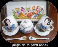 JUEGO DE TE PARA NENAS   BLANCA NIEVES PINTADA A MANO  FACEBOOK/DOÑATAZA China Painting, Porcelain Ceramics, Arts And Crafts, Fine Art, Disney, Glass, Handmade, Ideas, Painted Porcelain