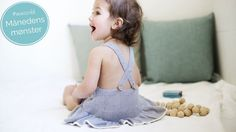 It's not a dress: But is as practical as a romper. On 3 - mm circual needles. Baby Knitting, Knitted Baby, Knitting Patterns, Kids Fashion, Flower Girl Dresses, Rompers, Kids Rugs, Summer Dresses, Wedding Dresses