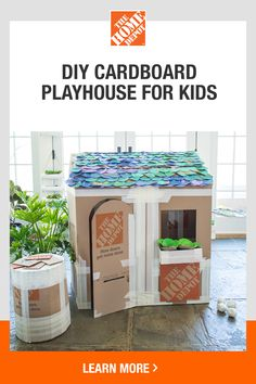 How to Create a Deluxe Cardboard Playhouse Fun Crafts For Kids, Baby Crafts, Toddler Crafts, Projects For Kids, Diy For Kids, Cardboard Playhouse, Diy Playhouse, Cardboard Crafts, Cardboard Furniture