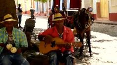 Los naturales de Cuba eran los Arawak, Taíno y Ciboney, conocidos por un estilo de música llamado Areito.