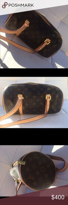 Louis Vuitton purse Louis Vuitton purse with serial number label (M51365) Louis Vuitton Bags Shoulder Bags