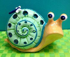 This dragonfly add-on is the perfect addition to our Snail Lantern!