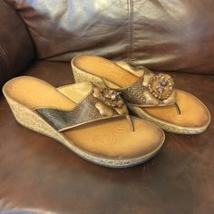 Clarks Sandals 11M Clarks Sandals 11M, have been in a tote with other shoes. Clarks Shoes