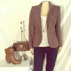 H&M brown tweed blazer H&M brown tweed blazer can be worn professionally with slacks or dress down the jeans and pumps excellent condition no damage has gold zipper detail fabric 70% polyester 30% wool H&M Jackets & Coats Blazers
