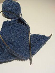 Strikk og tøys: Babysokk trinn for trinn - illustrert Baby Barn, Baby Socks, Baby Knitting Patterns, Crochet Bikini, Diy And Crafts, Winter Hats, Fashion, Moda, Fashion Styles