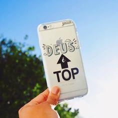 Deus é tão top mais tão top que merecia um lançamento como esse! {case: Deus é top}  [NA COMPRA DE DUAS GOCASES VOCÊ GANHA 50% OFF NA TERCEIRA]  #gocasebr #instagood #iphonecase #god #deusetop #bordao #gocaseblack #blcknov #amogocase Iphone 6, Iphone 7 Plus, Iphone Cases, Cute Cases, Cute Phone Cases, My Folder, Cell Phone Covers, Ipod, Smartphone