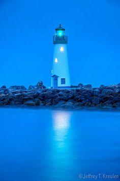 Walton Lighthouse, Santa Cruz, California Home sweet home. Santa Cruz California, California Coast, Northern California, Beautiful World, Beautiful Places, Lighthouse Lighting, Lighthouse Art, Lighthouse Pictures, Beacon Of Light