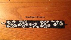 Black and White Flowers Beaded Bracelet. Seed Bead Bracelet.