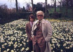 David Hockney and Peter Schlesinger, Reddish, 1970 Cecil Beaton #narcissus #daffodils #cecilbeaton #peterschlesinger #davidhockney