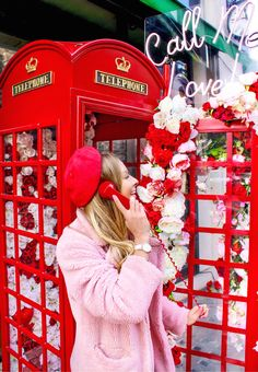Found probably the cutest photo booth ever! #photobooth #phonebooth #phonebox #london #londontravel #londonphotography #londonfashionweek #theblondeflamingo