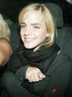 Emma Watson Photos - Actress Emma Watson pictured leaving the Mahiki nightclub at am with friends, making her way home to North London. - Emma Watson Leaving The Mahiki Nightclub Emma Watson Sexiest, Emma Watson Beautiful, Hermione Granger, What Is A Feminist, Harry Potter, Florence Pugh, Special Girl, Good Smile, Future Wife