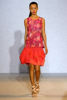 Fuchsia Roses Printed tank top Nicole Farhi Spring-Summer 2012.