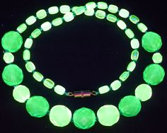 "17"" 430mm Czech Glass Beads Beaded Necklace Uranium Green Yellow Vtg UV Glowing by MuchMoreThanButtons on Etsy"