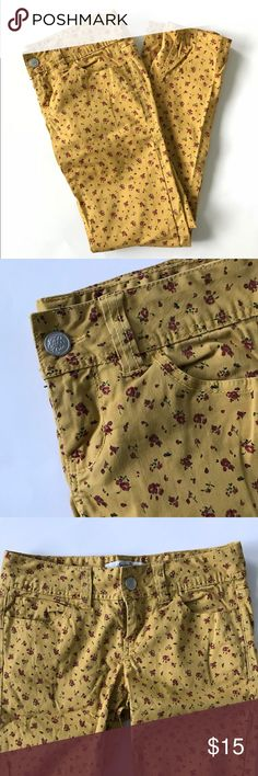 American Rag Mustard Yellow Pants Pre-loved but in great condition, these American Rag floral mustard / goldenrod yellow pants are perfect for fall! Features a tiny red flower print and straight leg cut. Size 5. American Rag Pants Straight Leg