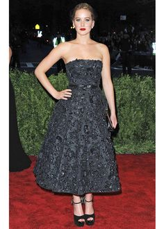 Jennifer Lawrence / 2013 MET Gala (HER HUNGER GAMES CATCHING FIRE DRESS! MADE OUT OF COAL!)