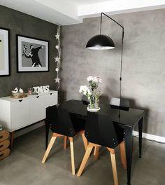 ⭐Não estou sabendo lidar com essa parede de cimento queimado⭐ Aonde fica a luminária estava branco e eu tinha medo de passar a textura e pesar demais, mas agora estou pensando pq não fiz isso antes 😊❤ #decor #home #cimentoqueimado #industrial #cinza #greyhome #lardocelar #interiores