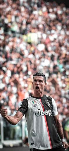 Ronaldo Memes, Cristano Ronaldo, Cristiano Ronaldo Juventus, Juventus Fc, Best Football Players, Football Is Life, Cr7 Jr, Cr7 Vs Messi, Cr7 Junior