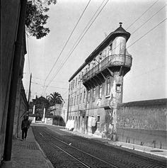 Lisboa de Antigamente retrata a cidade, através de fotografias antigas das suas gentes, monumentos e muito, muito mais.