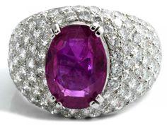 Rubin-Brillantring Ringweite: 55. Gewicht: ca. 15,3 g. Platin. Beigefügt ein Befundbericht von DSEF — Schmuck_Juwelen
