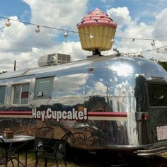Congress street cupcake vendor ~ Austin, Tx Have always wanted to try this.