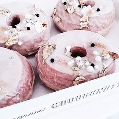 These are the prettiest donuts I have ever seen 😍🍩 . . . . . #doughnuts #love #pretty #pink #yummy #donuts #want #blogger #amazing #instagood #instafood #sweet #chocolate #cake #icecream #dessertporn #delish #foods #delicious #tasty #hungry #foodpics #sweettooth