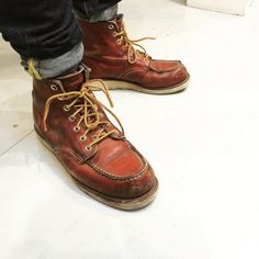Mens Lace Up Boots, Jeans And Boots, Leather Boots, Red Wing Boots, White Boots, Red Wing Shoe Stores, Red Wing Moc Toe, Shoe Company, Fashion Boots